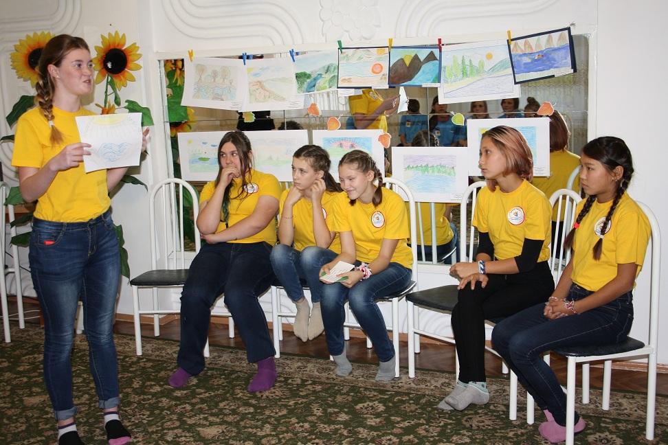 Детей-сирот и ребятишек с ограниченными возможностями порадовали праздником и интеллектуальной игрой